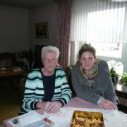 Besuch bei einer Seniorin, die uns zu super leckerem Spritzgebäck eingeladen hat.